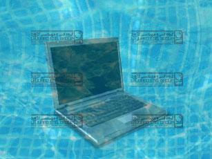 افتادن لپ تاپ داخل آب